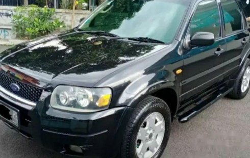 Jawa Barat, Ford Escape XLT 2006 kondisi terawat