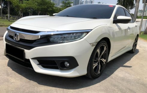Honda Civic ES 2018 Sedan