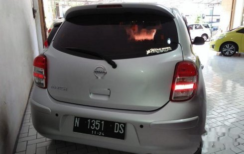Mobil Nissan March 2011 1.2L terbaik di Jawa Timur