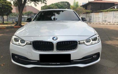 BMW 3 Series 320i Sport 2016 DP MURAH!!