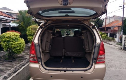 Toyota Kijang Innova 2.0 G 2005 automatic pajak hidup