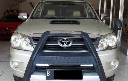 Toyota Fortuner G Luxury 2008 2.7 AT