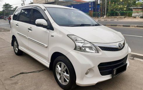 Toyota Avanza Veloz 1.5 AT 2013 DP15