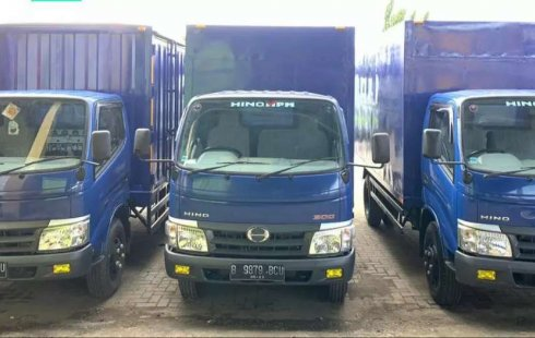 RENTAL SEWA bulanan tahunan CDD elf Hino Dutro coltdiesel canter box 125ps