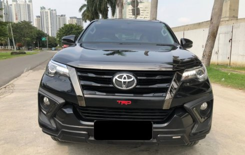 Toyota Fortuner 2.4 VRZ TRD AT 2019 Hitam