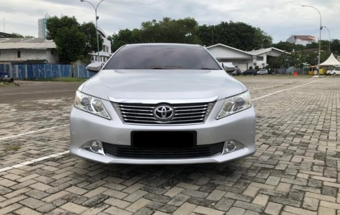 Toyota Camry 2.5 V AT 2013 Silver