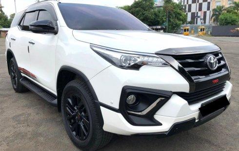 Toyota Fortuner 2.4 TRD AT 2020 Putih