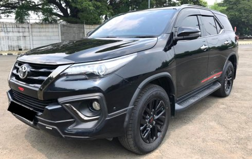 Toyota Fortuner 2.4 TRD AT 2019 Hitam