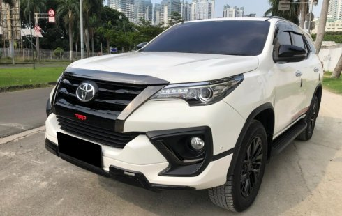Toyota Fortuner 2.4 VRZ TRD AT 2020 Putih