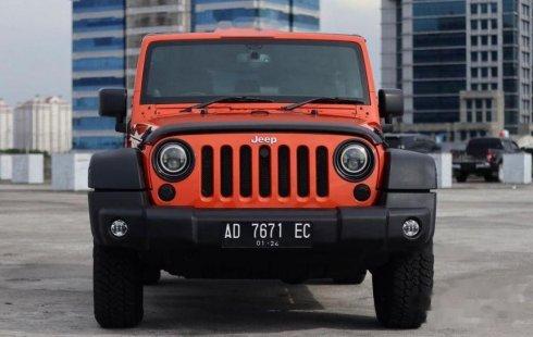 Jual Jeep Wrangler Rubicon 2013 harga murah di DKI Jakarta