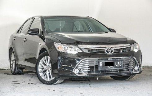 Toyota Camry 2.5 V 2016 Sedan