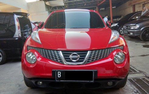 Nissan Juke 1.5 Revolt CVT Red Interior 2013