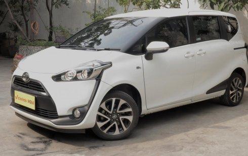 Toyota Sienta V CVT AT 2018 Putih
