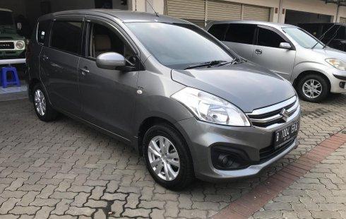 Suzuki Ertiga GL MT Abu-abu hitam