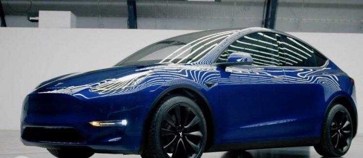 Review Tesla Model Y 2019: Penantang Baru SUV Kompak Bertenaga Listrik