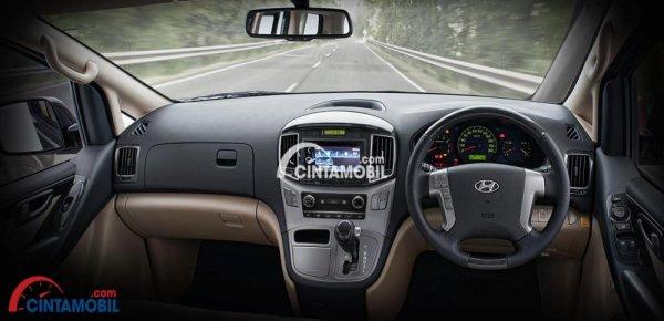 gambar interior Hyundai H1 2017 dengan kelengkapan fitur di dalmnya