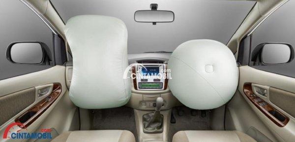 gambar airbag Toyota Innova 2015