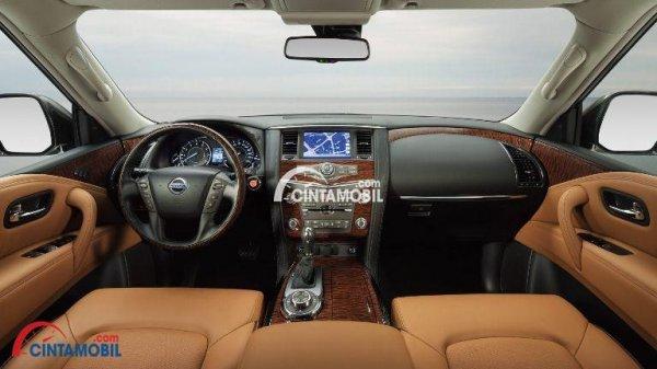 Gambar bagian dashboard mobil Nissan Patrol 2017