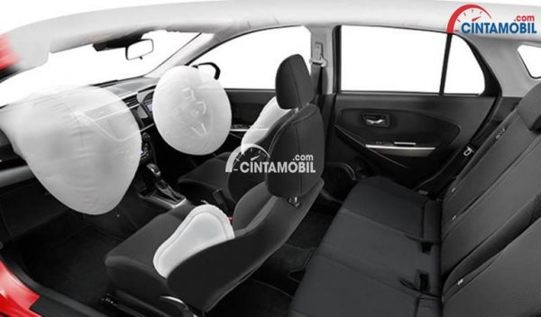 Gambar menjunjukkan fitur airbag di bagian depan mobil Daihatsu Sirion 2018