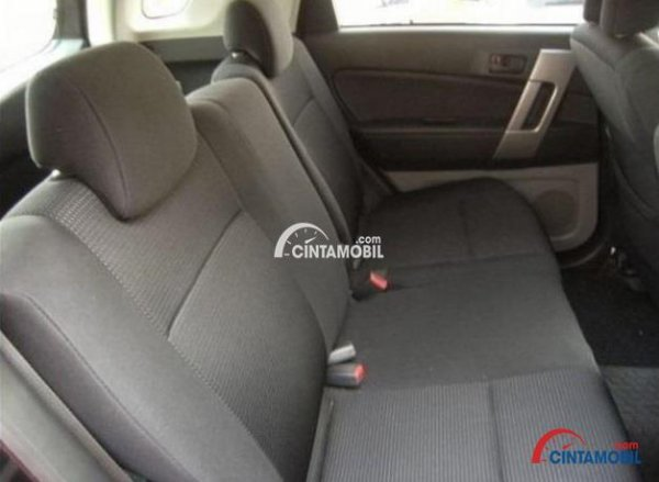 gambar bagian kursi mobil Toyota Rush 2009