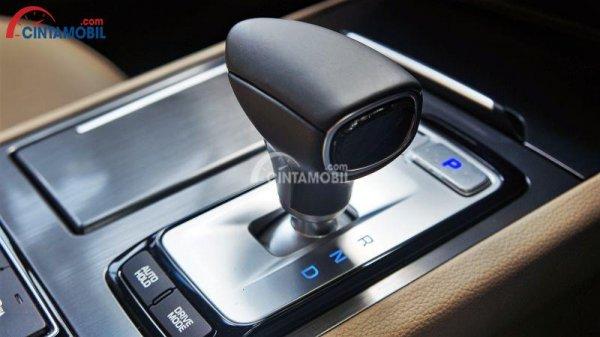 Sistem transmisi pada mobil Genesis G80 2018