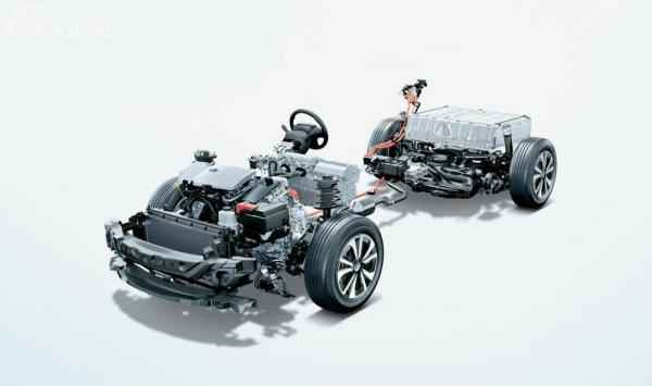sasis, mesin dan baterai Toyota Prius 2018