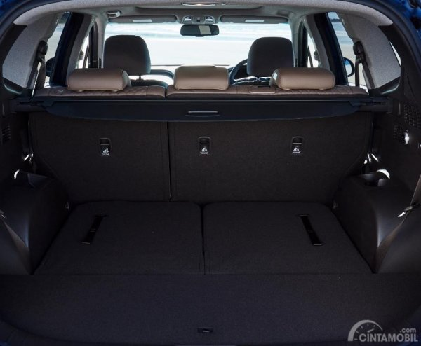 Ruang bagasi Hyundai All New Santa Fe 2018 dengan sebuah ruang yang cukup luas