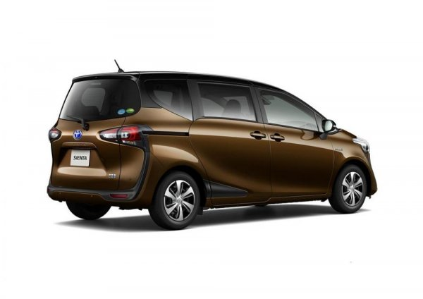 Tampak belakang Toyota Sienta 2019