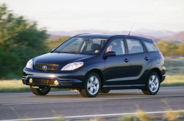 foto Toyota Corolla matrix USA 2003 berwarna hitam