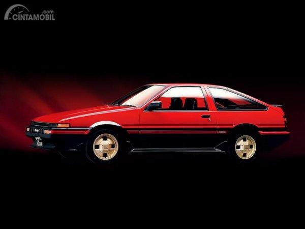 foto Toyota Sprinter Trueno AE86 warna merah