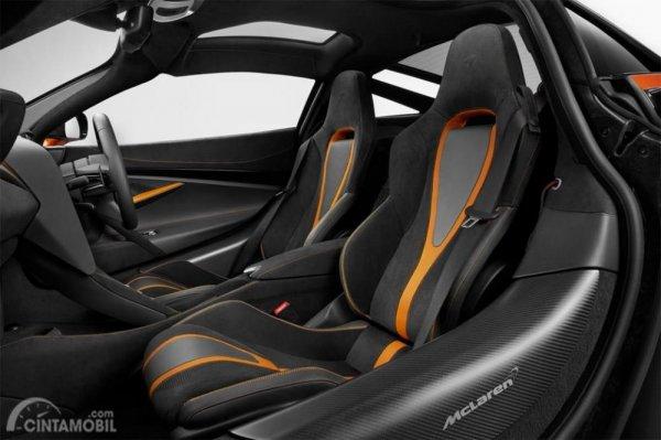 bagian kursi McLaren 720S GT3 2019 yang dikabarkan akan mengadopsi carbon-kevlar race seats