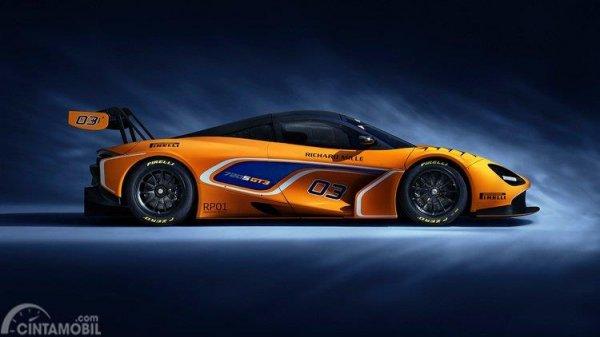 bagian samping McLaren 720S GT3 2019 dengan side air intake dua buah