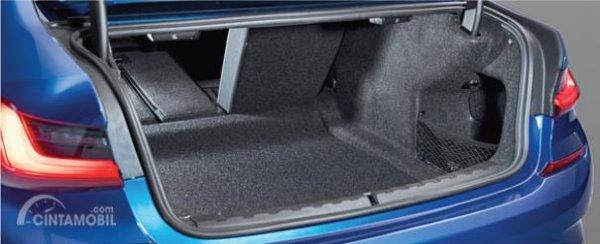 Foto ruang Bagasi All-New BMW 330i M Sport 2019