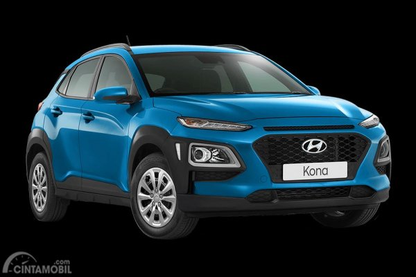 Tampak sebuah mobil Hyundai Kona Go yang merupakan varian termurah Hyundai Kona
