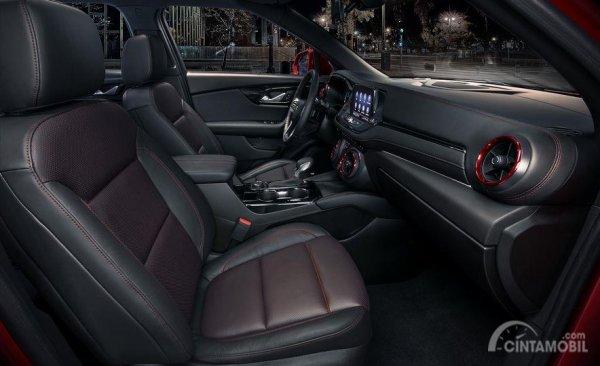 Gambar yang menunjukan bagian kursi Chevrolet Blazer 2019