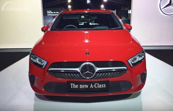 Foto Mercedes-Benz A 200 tampak dari depan