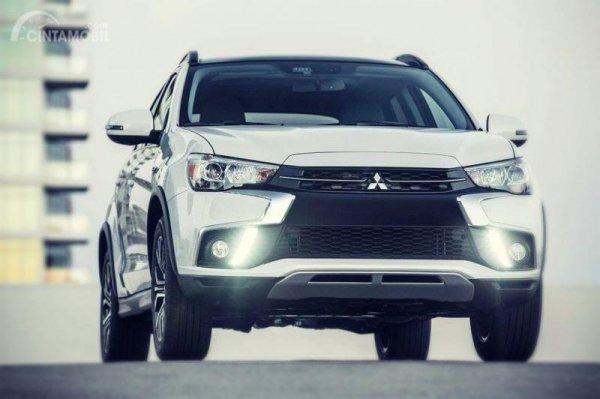Gambar yang menunjukan mobil baru Mitsubishi Outlander Sport 2019