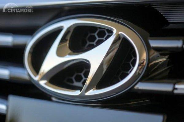 Gambar yang menunjukan logo perusahaan Hyundai