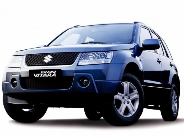 Suzuki Grand Vitara mempunyai desain yang kokoh