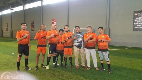 Tampak anak-anak Nissan X-Trail Indonesia bersiap main futsal