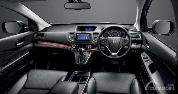 Cek kebersihan dari interior Honda CR-V