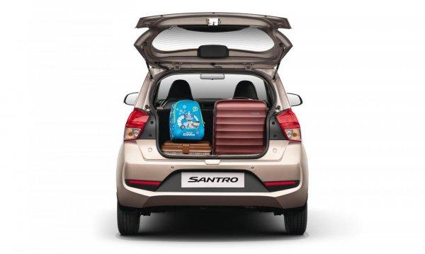 Gambar ruang Bagasi mobil Hyundai Santro 2019 yang bisa taruh 2 koper besar dan 1 koper kecil