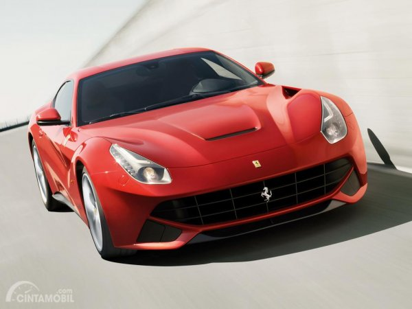 Salah satu Ferrari F12 Berlinetta yang dijual di Indonesia