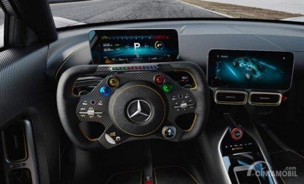 Gambar yang menunjukan tampilan kemudi Mercedes-AMG One 2017