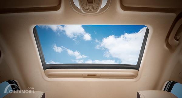 Fitur Wuling Cortez hadirkan Classy Electric Sunroof yang tidak dimiliki oleh Toyota Avanza