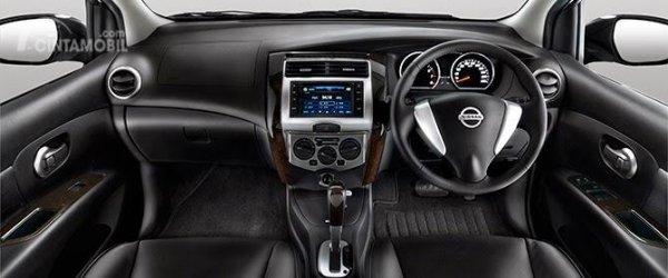 Dashboard Nissan Grand Livina X-Gear 2013 dihias cukup elegan dan minimalis