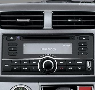 Fitur hiburan Daihatsu Sirion 2015 hanya mengandalkan panel Head Unit Single DIN