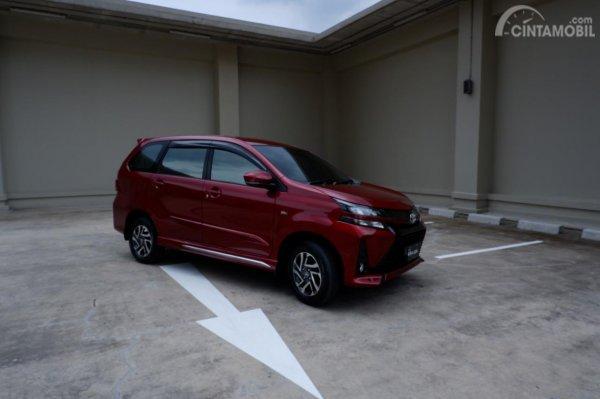 Gambar menunjukkan Handling New Toyota Avanza Velos 2019