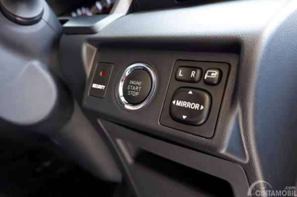 Gambar menunjukkan tombol start stop engine New Avanza Veloz 2019