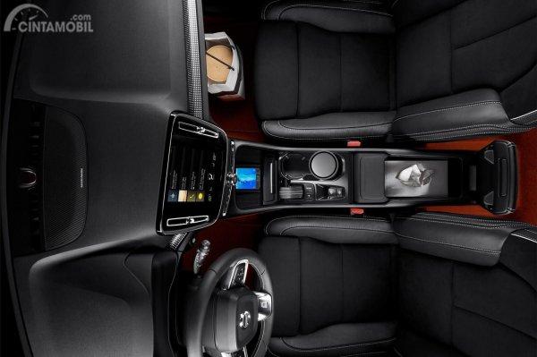 Dashboard Volvo XC40 2019 dirancang dengan tatanan ergonomis